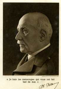 Georges Gras a toujours eu beaucoup de respect et d'affection pour Pétain, le vainqueur de Verdun, celui qui comprenait les soldats