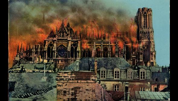 Dans L'union: la cathédrale dévorée par les flammes