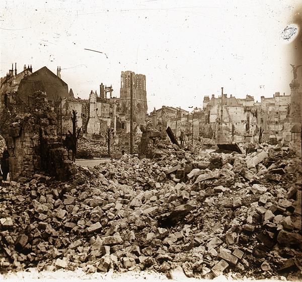 Grâce aux archives municipales de Reims un témoignage inédit sur l'incendie de la cathédrale