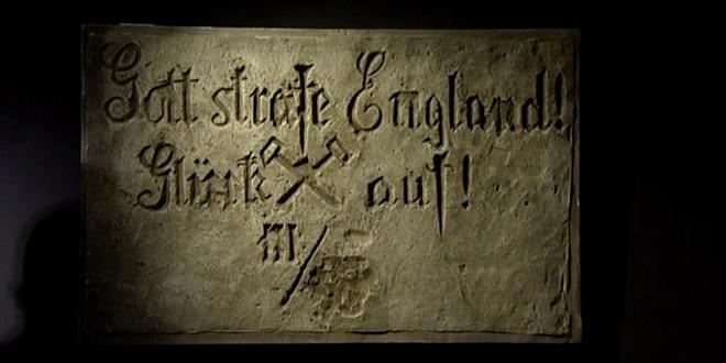 (VIDEO)les Graffitis de soldats allemands au musée de la Mémoire des murs