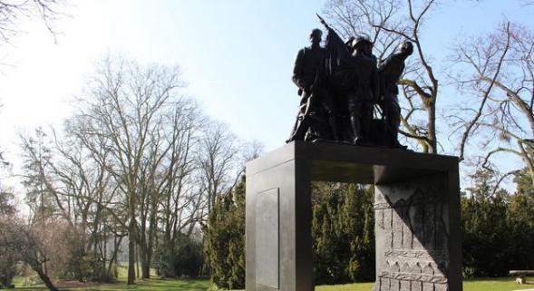 Monument à l'armée noire de Reims: il y aura un procès