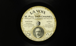 deschanel22121914-1