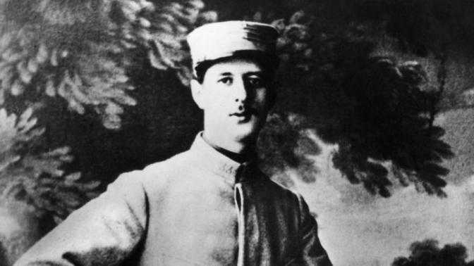 Charles De Gaulle: «la neige tombe en abondance sur la Marne»