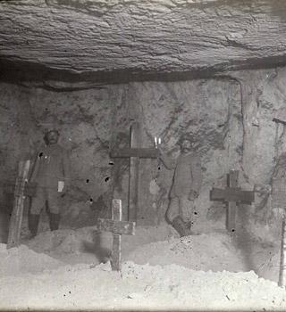 Mai à la caverne du Dragon (Aisne)