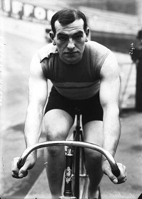 438/journal du16 octobre 1915: le champion cycliste rémois Léon Hourlier meurt dans une chute d'avion