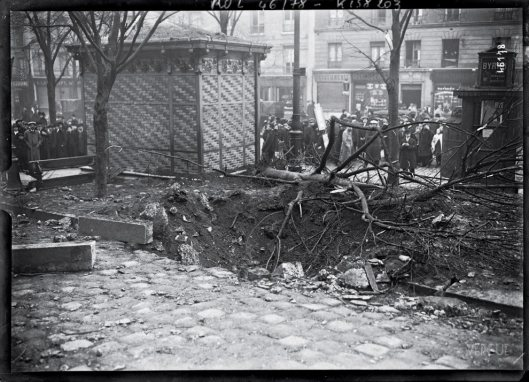 544/journal du 29 janvier 1916: un zeppelin bombarde Paris: 26 morts
