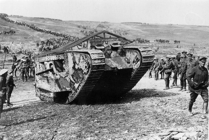 """""""15 septembre 1916""""  Les chars arrivent . Mark_i"""