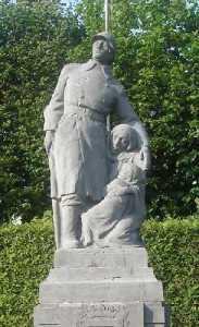 Une stèle élevée à la mémoire des victimes