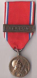 130px-medaille_de_verdun_du_colonel_brebant_recto