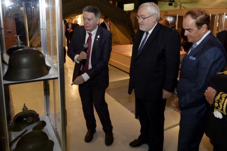 Vitry: Bernard Sartori claque la porte de l'exposition de la Grande Guerre