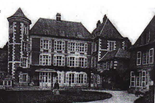959/19 mars 1917: destruction du château de Coucy-le-Château (Aisne)