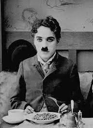 1097/4 août 1917: critiques contre Charlie Chaplin