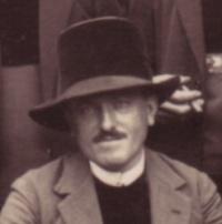 1045/13 juin 1917: le brigadier fourrier Pierre Tanguy participe à la prise du Mont Cornillet (Marne)