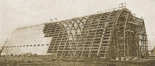 1197/12 novembre 1917: un hangar en béton pour dirigeable