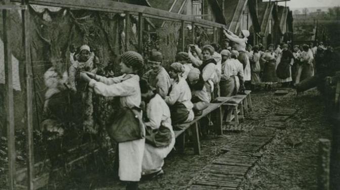 1236/21 décembre 1917: les «camoufleuses» parisiennes