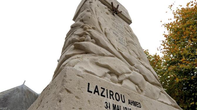 Un nom de plus sur le monument aux morts de Saint-Euphraise-et-Clairizet (51)