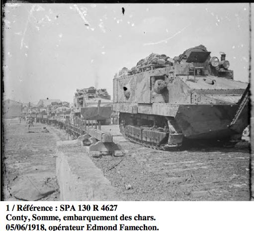1402/5 juin 1918: embarquement de chars Schneider