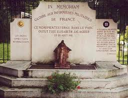 1478 ter/20 août 1918: Pierrefonds (Oise)un monument aux infirmières pourElisabeth Jalaguierj