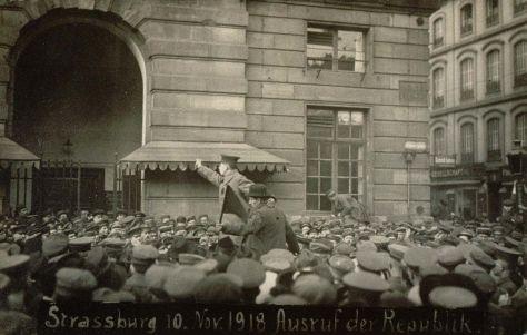 1280px-Proclamation_république_10_novembre_1918