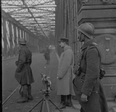 1585/4 décembre 1918